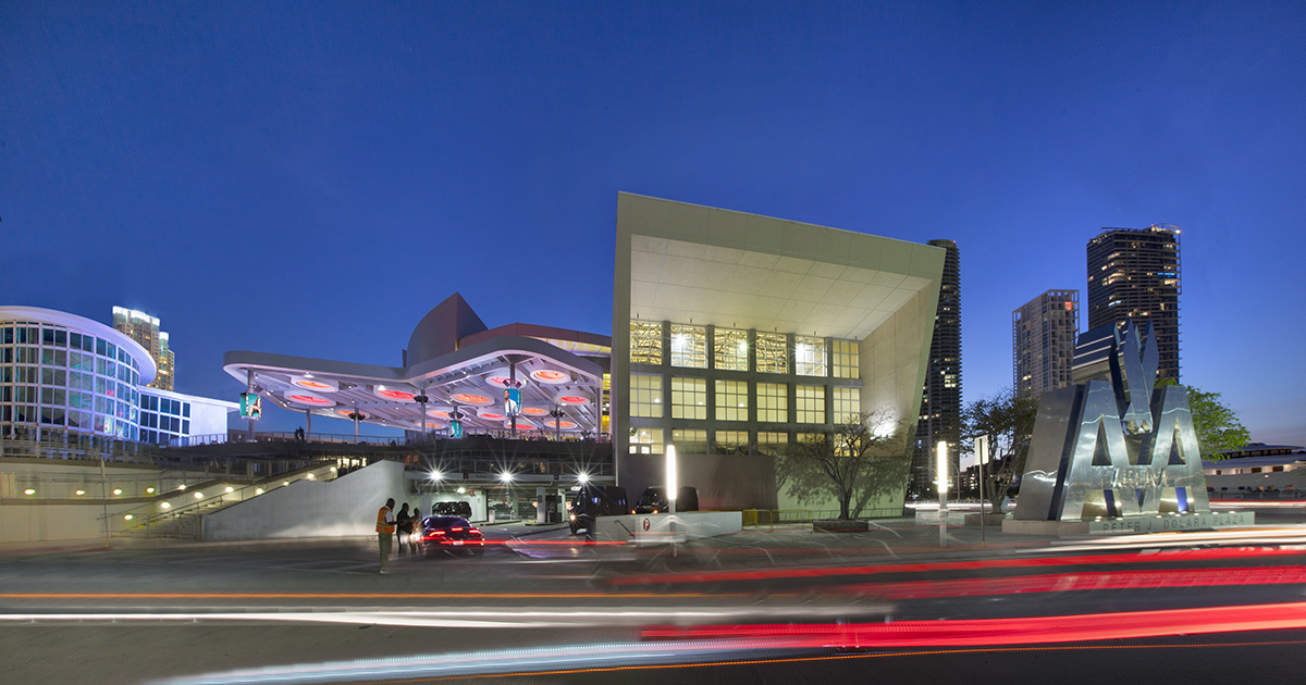 mif architectural photography of the american airlines